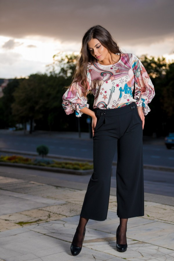 Елегантен дамски панталон с широки крачоли