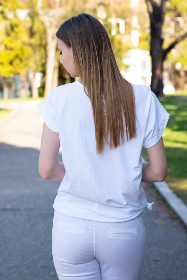 Дамска блуза със сребърни сърца и бродерия в бяло