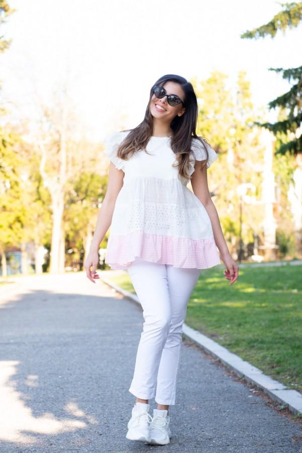 Дамска блуза в бяло с харбали на ръкава