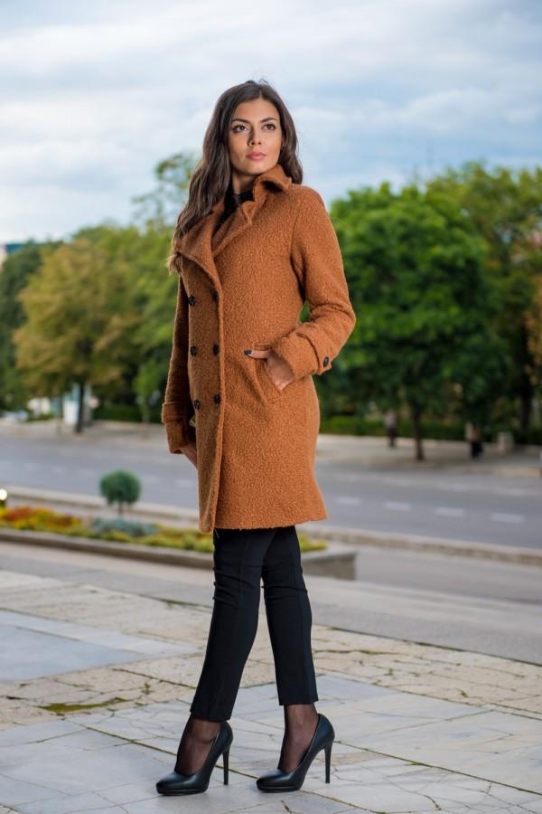 Дамско меко палто с подплата и копчета