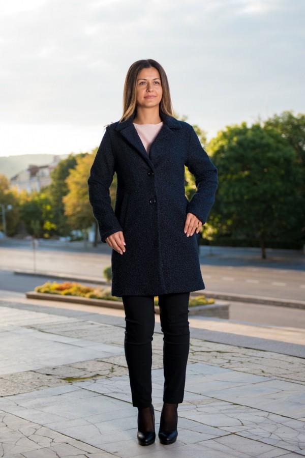 Класическо дамско палто от черно букле