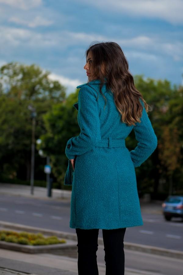 Дамско палто в морско зелено с колан и ревер