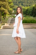 Памучна дамска бяла рокля с аксесоар чанта