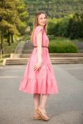 Дамска рокля в розово от естествена материя