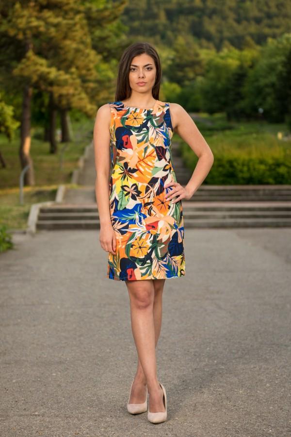 Класическа елегантна дамска рокля с десен цветя
