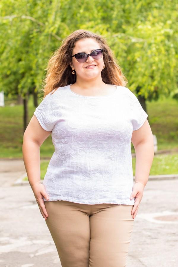 Макси дамска блуза от естествени материи в бяло