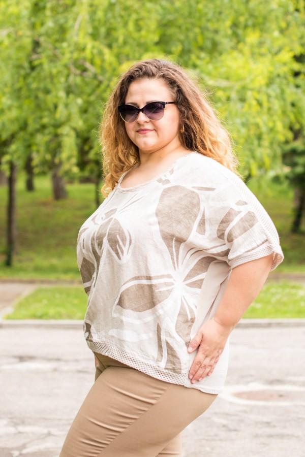 Макси дамска блуза от лен в бежово на цветя