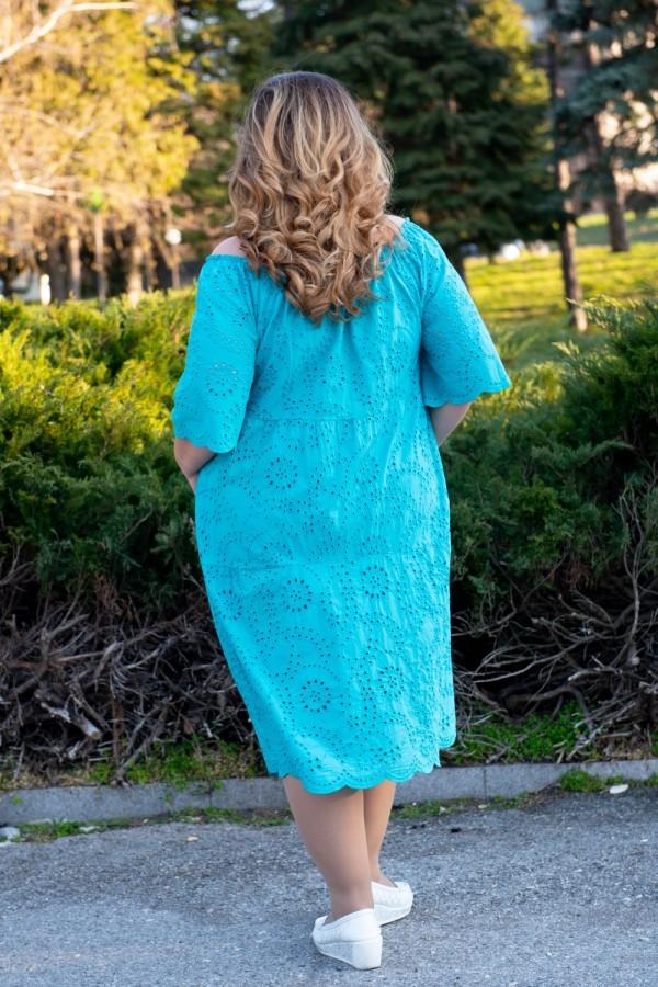 Макси памучна рокля от рязана бродерия в цвят мента