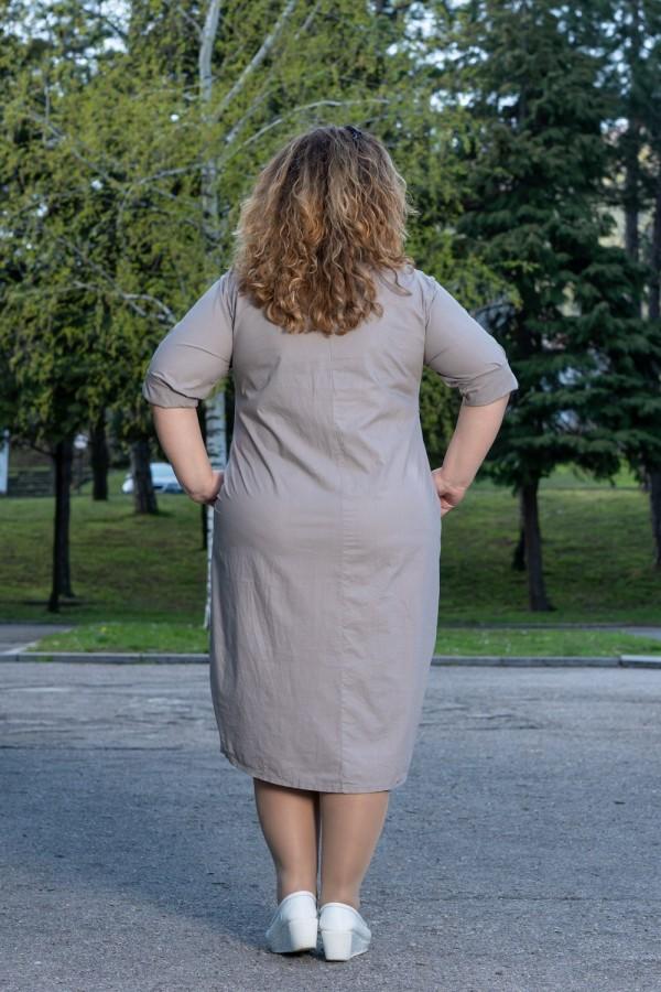 Макси дамска рокля с декоративни копчета