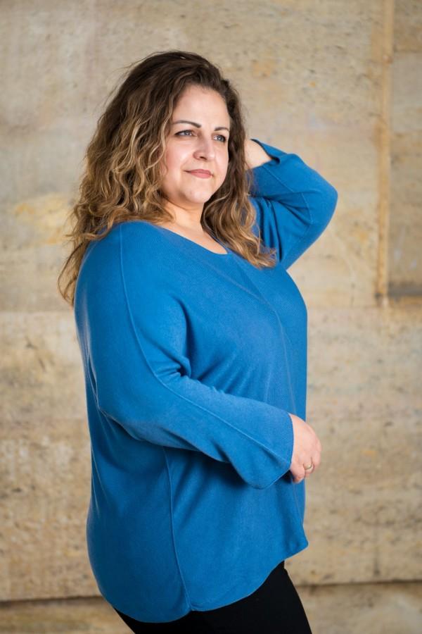 Макси изчистена блуза от естесвена материя в синьо