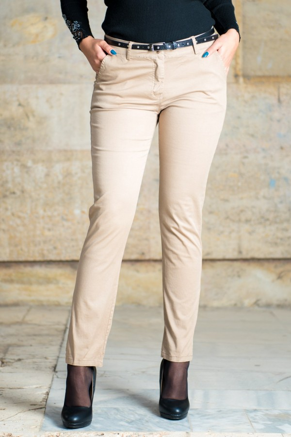 Дамски спортно-елегантен панталон в бежово