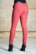 Спортно-елегантен дамски еластичен панталон в цвят бордо