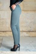 Памучен спортно-елегантен дамски панталон в сиво