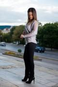 Дамски сив пуловер с реглан ръкав и тюл