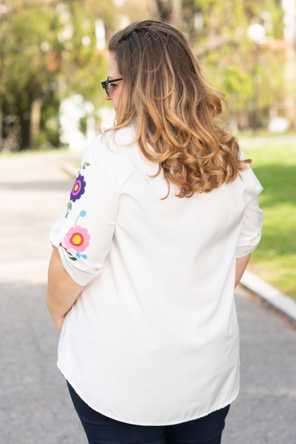 Макси дамска риза от лека материя с красиви цветя