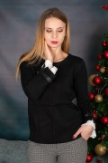 Елегантен дамски пуловер в черно с панделка