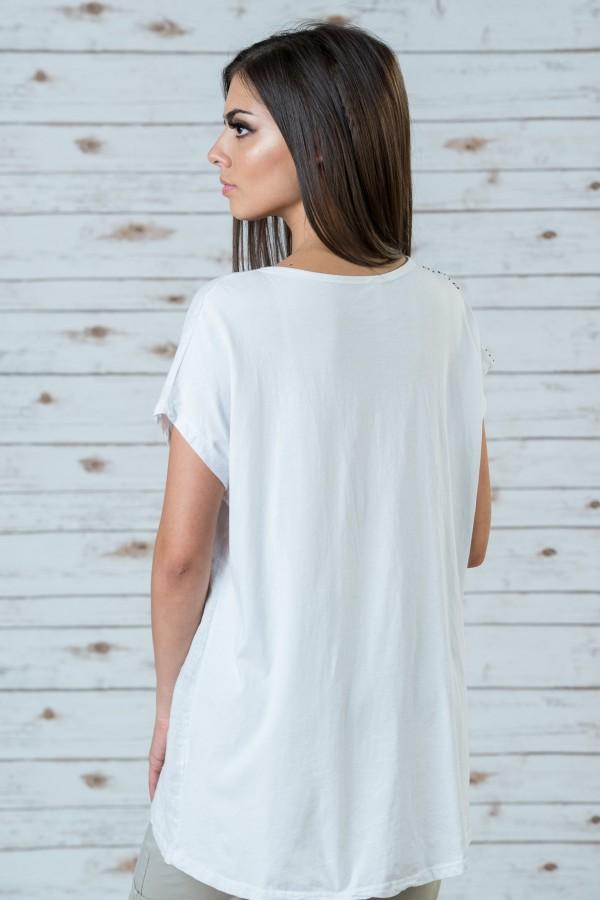 Дамска блуза в бял цвят
