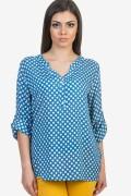Блуза в син цвят на бели точки