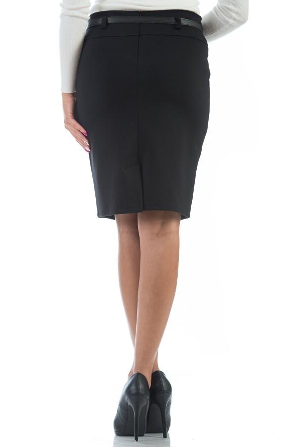 Спортна дамска пола в черно