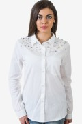 Бяла спортно-елегантна риза с перли и камъни