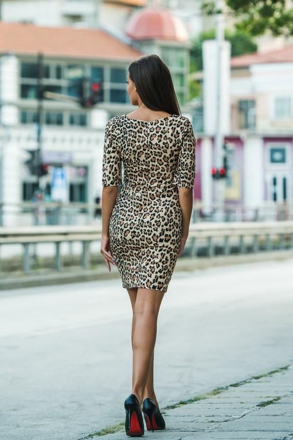 Елегантна рокля с леопардов принт
