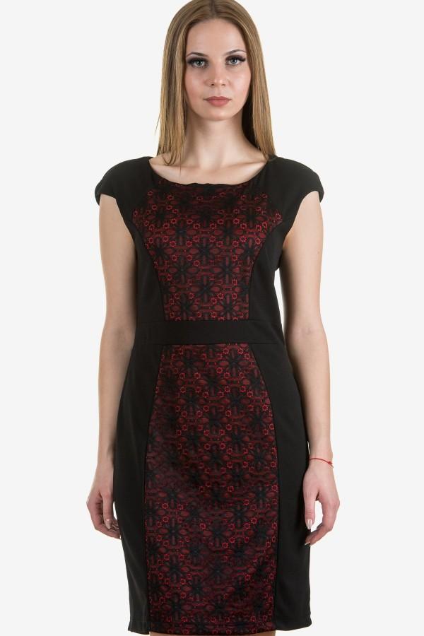 Елегантна дамска рокля в черен цвят