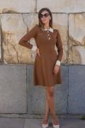 Дамска рокля от фино плетиво с яка в светло кафяво