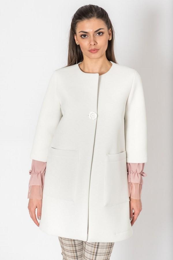 Красив дамски блейзър тип шанел в бяло
