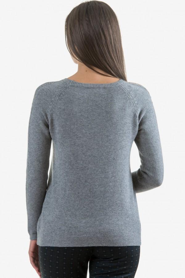 Мек пуловер в сиво