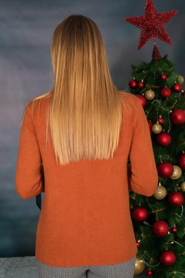 Елегантен дамски пуловер в керемиден цвят