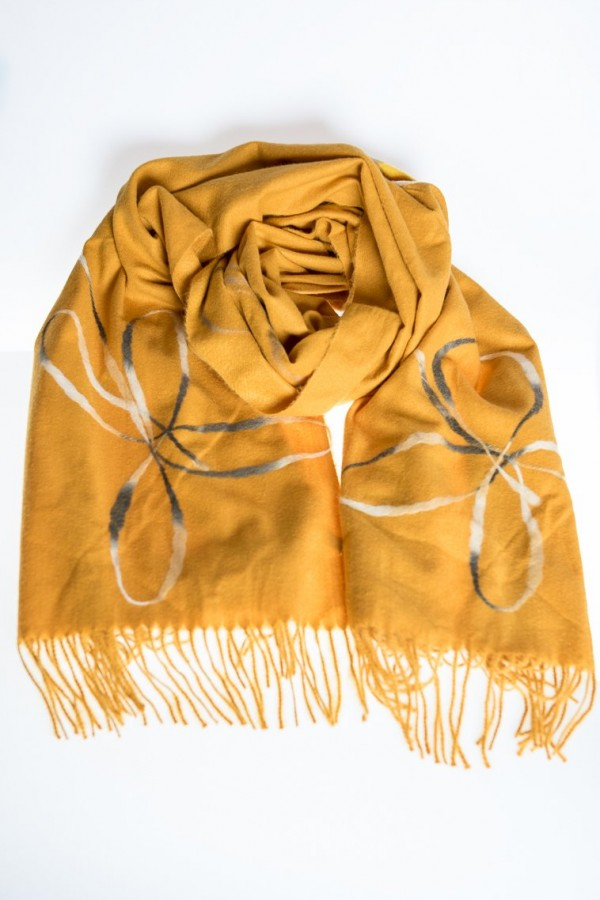 Кашмирен шал в жълт цвят
