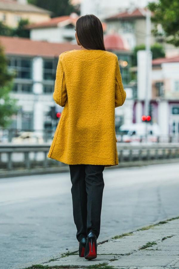 Дамско манто в цвят охра