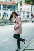 Дамско манто с колан в розов цвят