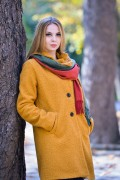 Дамско палто от букле в жълт цвят