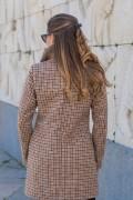 Зимно дамско палто с двуредно закопчаване