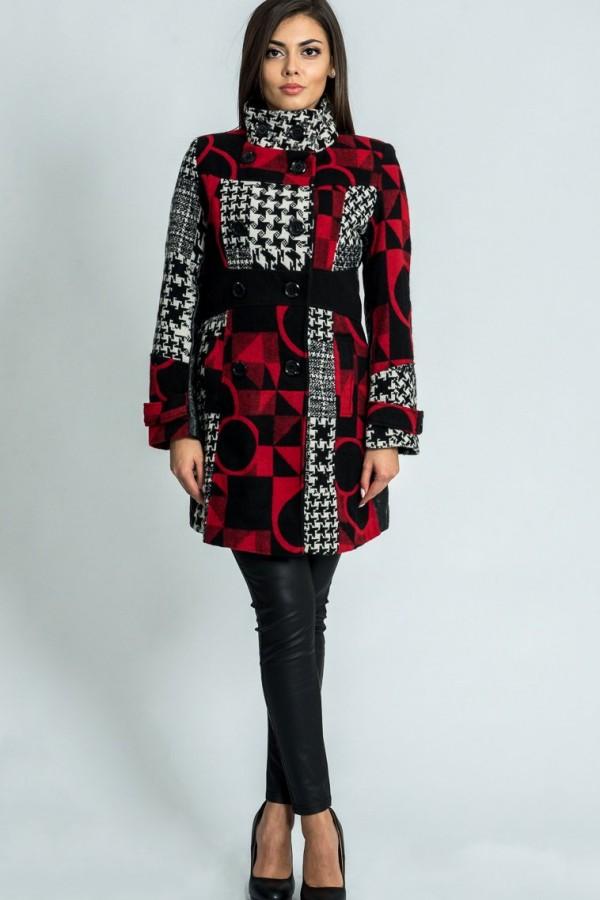 Дамско палто с двуредно закопчаване