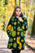 Бутиково многоцветно дамско палто в черно без подплата