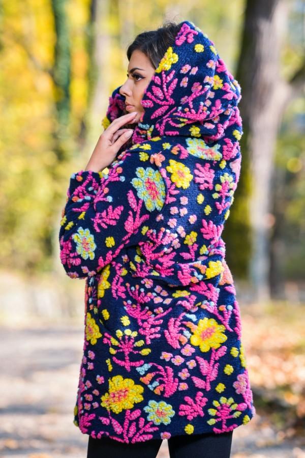 Бутиково многоцветно дамско палто с подплата