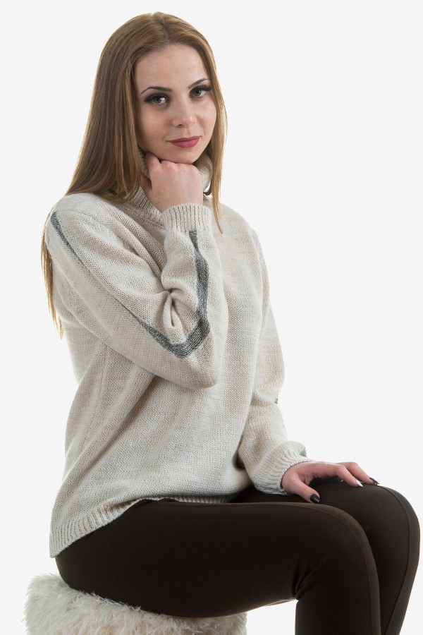 Дамско поло в цвят екрю