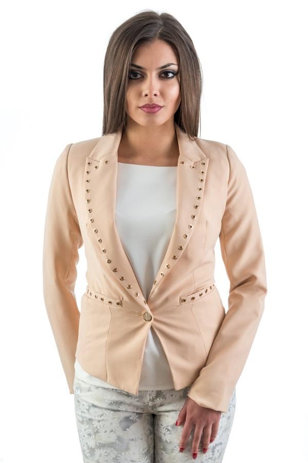 Спортно-елегантно дамско сако в бежов цвят