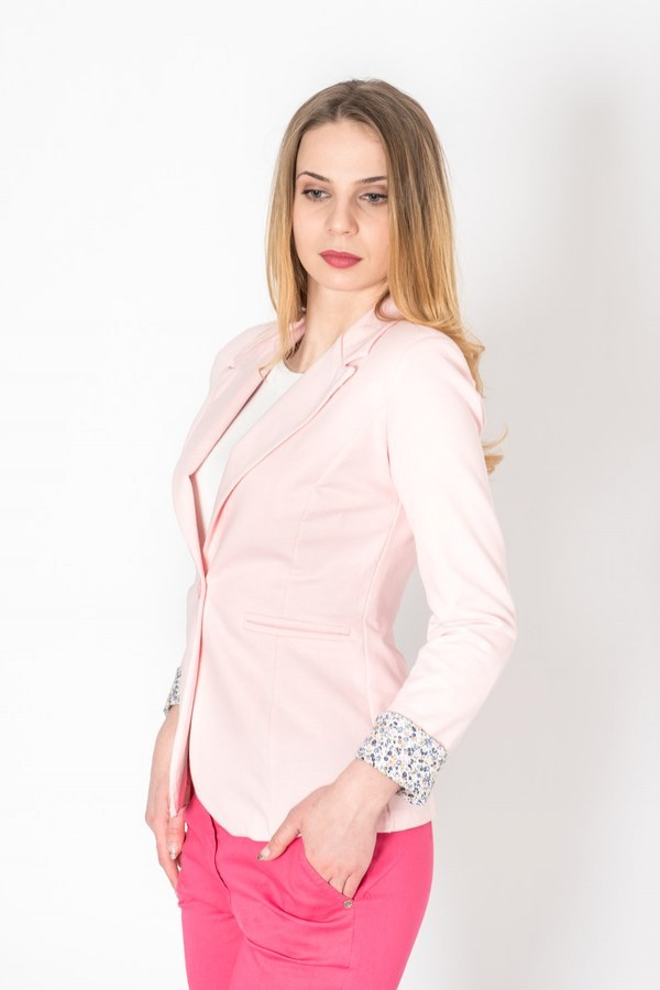 Спортно дамско сако в бледо розов цвят