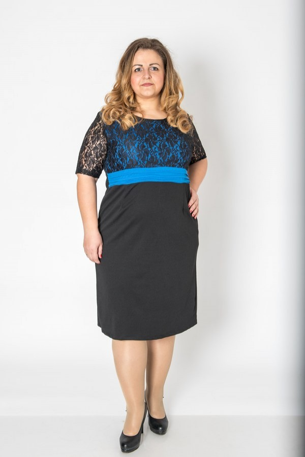 Макси рокля с красив колан в талията и кралско син цвят