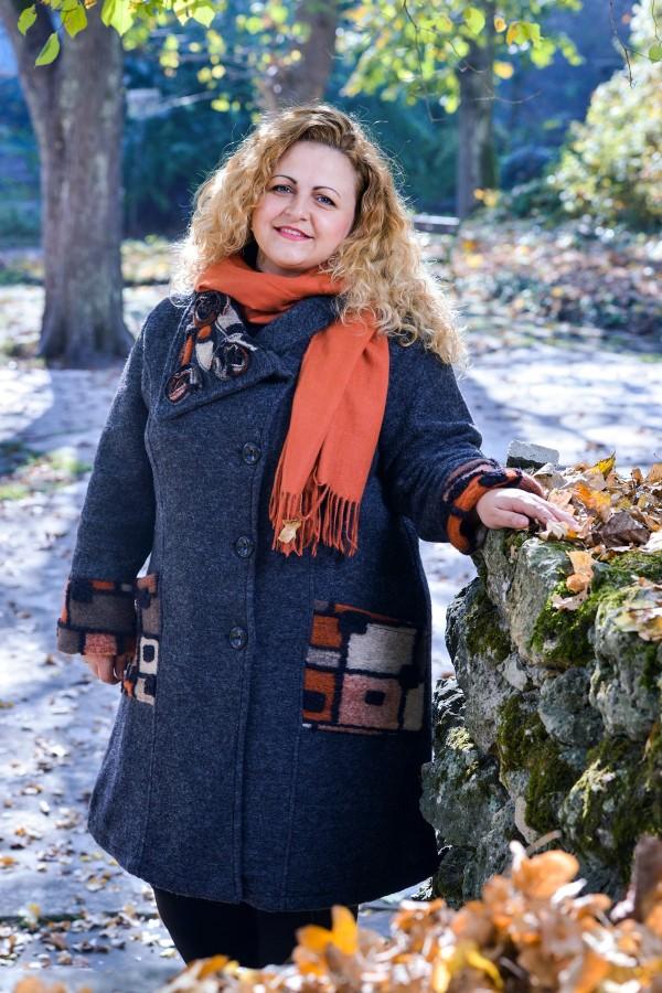 Макси дамско вълнено палто в сив цвят