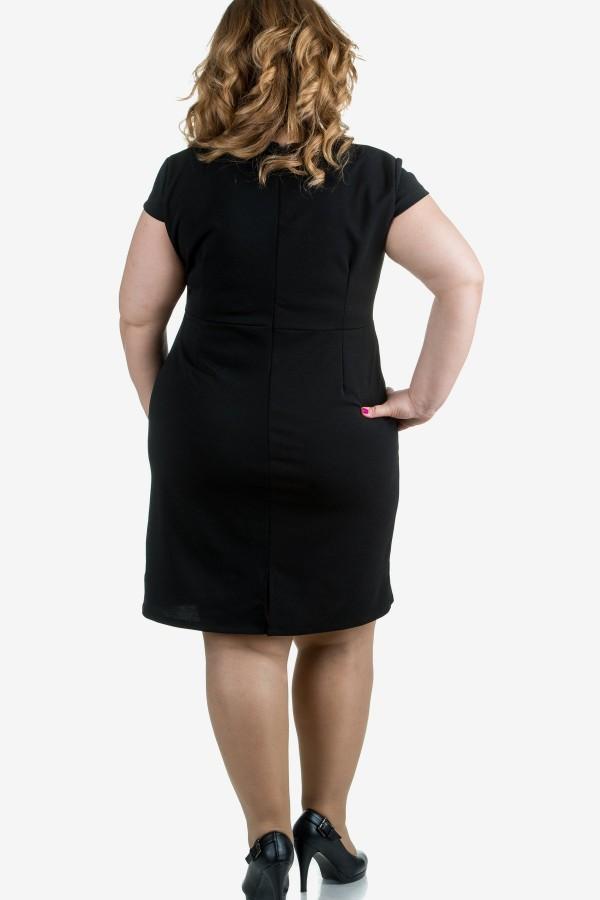 Стилна дамска рокля в черно