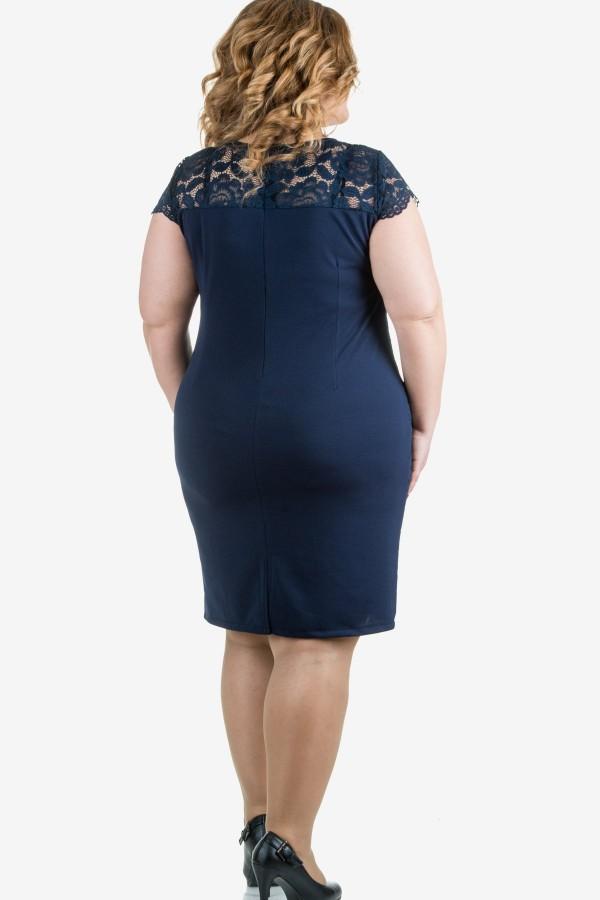 Елегантна рокля в тъмно син цвят