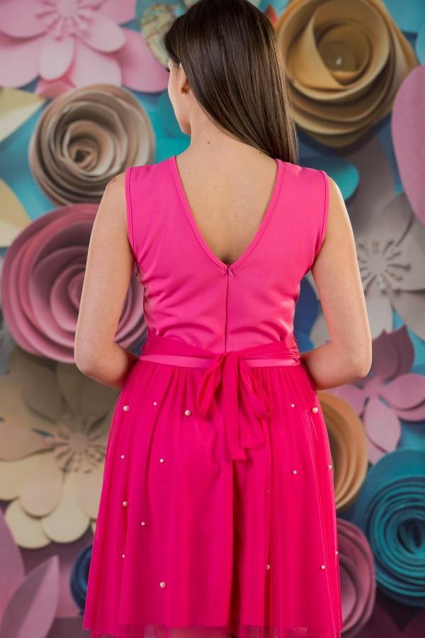 Елегантна дамска рокля с перли