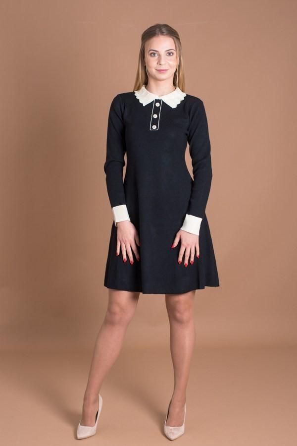 Елегантна дамска рокля в черно от меко и фино плетиво