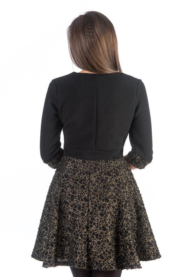 Дамска рокля в цвят черно и златно