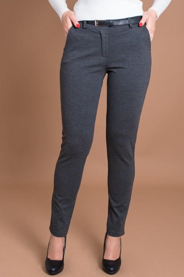 Спортно-елегантен панталон на ситни точки